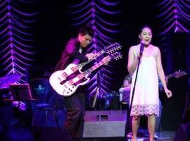 Không Gian Âm Nhạc 2: Cỏ Hồng - Hà Nội 5/2011