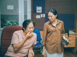Tập dượt với nhạc sĩ Dương Thụ