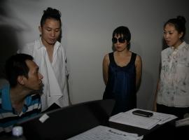 Nhạc sĩ Thanh Tâm đệm đàn cho Nguyên Thảo, Mỹ Linh và Tùng Dương